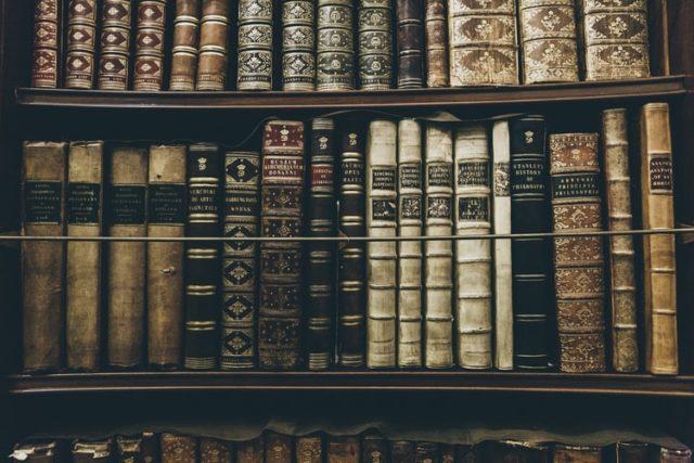 古書の本棚